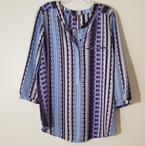NYJD | BLUE AND WHITE PATTERNED BLOUSE SIZE PL